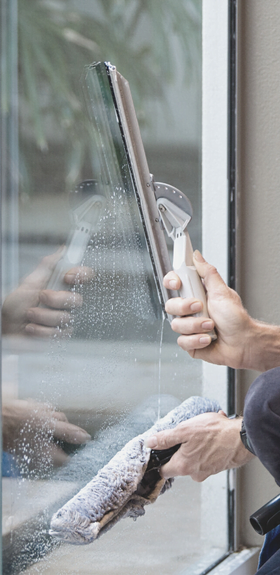Reliable window cleaner in Evesham
